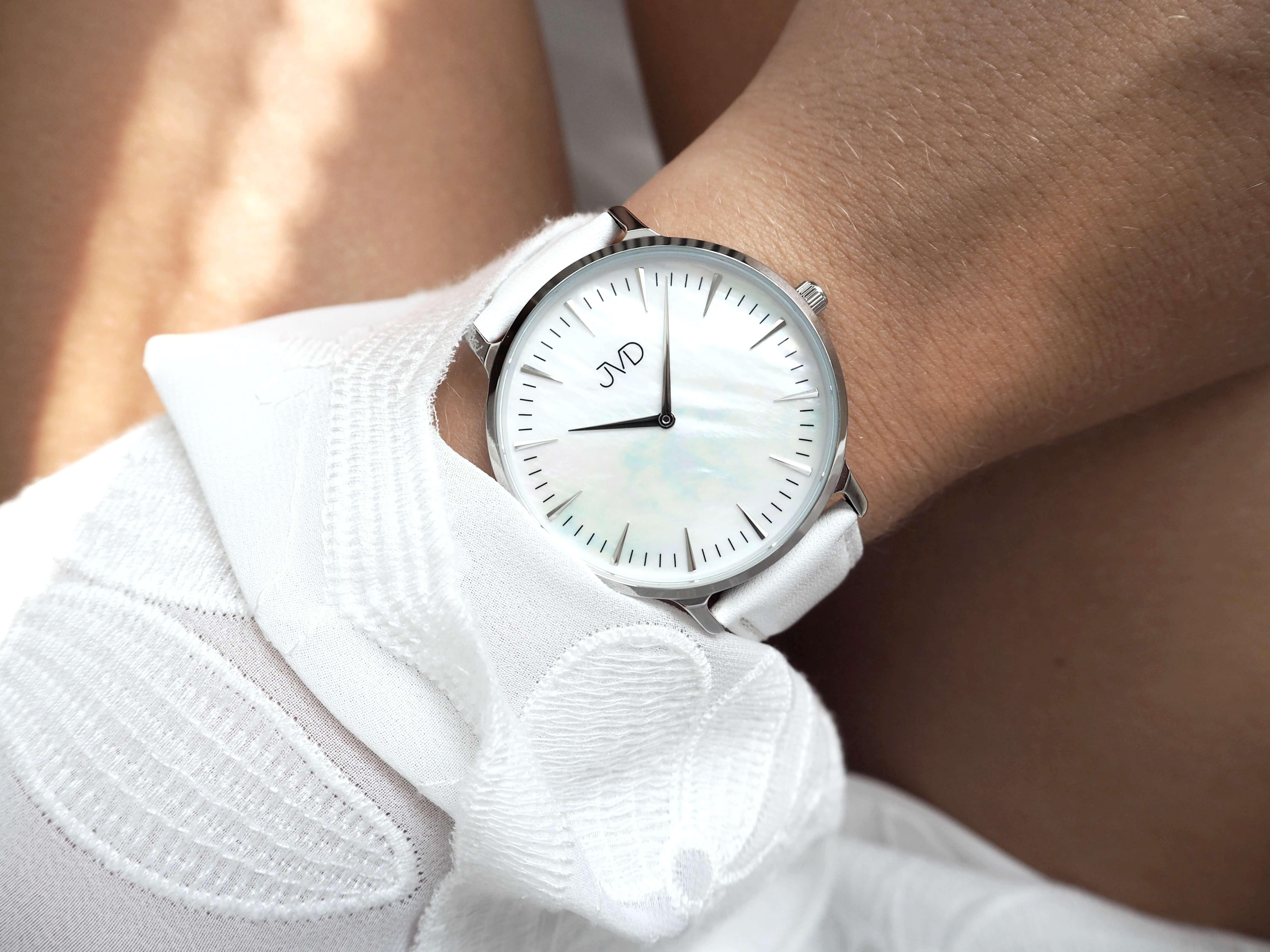 Náramkové hodinky JVD J-TS14. 1 890 Kč Skladem 5b3c8192e04